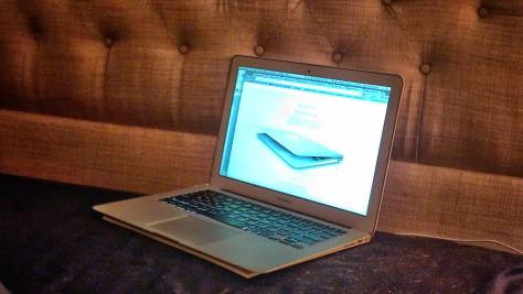 MacBook Air (alien technology)