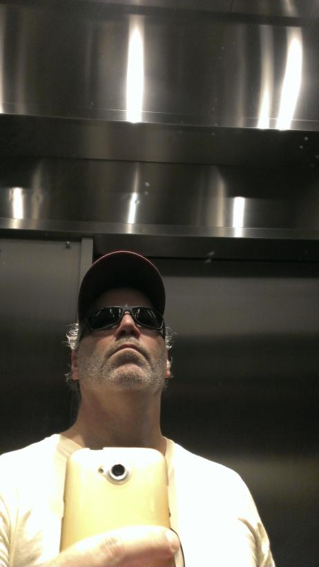 selfie.elevator