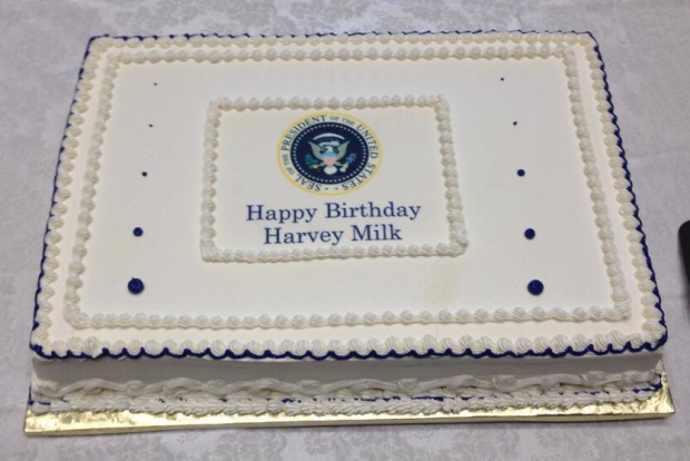WhiteHouse.bdaycake4Harvey